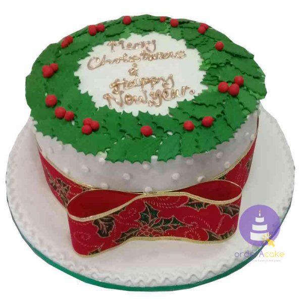 Holly Leaves Christmas Cake